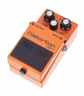 Pedal Boss DS-1 Distortion 3/4 photo right
